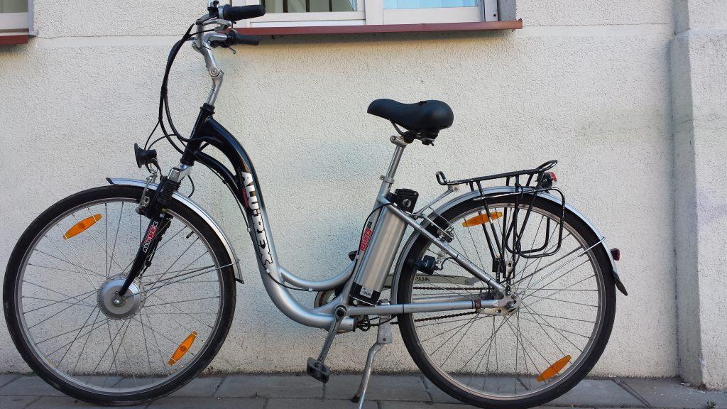 (Lietuvių) €499 -- 2 Elektriniai dviračiai už paprasto dviračio kainą!