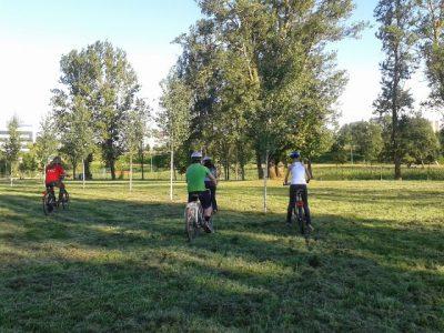 Es nie zu spät am Rad zu drehen - Radfahrunterricht für Erwachsene